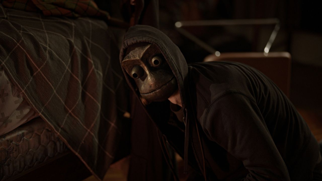 À Espreita do Mal: Conheça o filme de terror repleto de reviravoltas no  catálogo da Netflix - Notícias de cinema - AdoroCinema