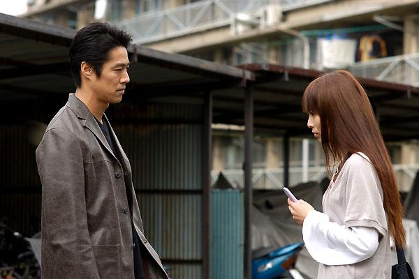Chakushin ari : Photo Kô Shibasaki, Shinichi Tsutsumi, Takashi Miike