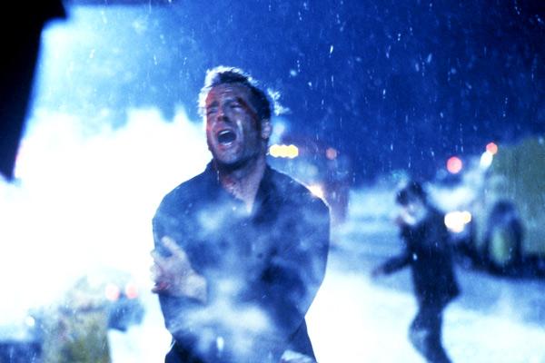 Duro de Matar 2: Renny Harlin, Bruce Willis