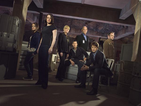 Foto Lucy Hale, Mark Sheppard, Michelle Ryan, Miguel Ferrer, Molly Price