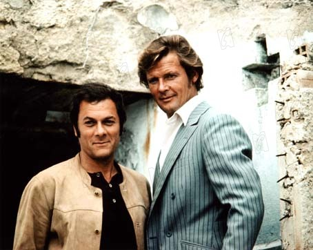 The Persuaders : Foto Roger Moore, Tony Curtis