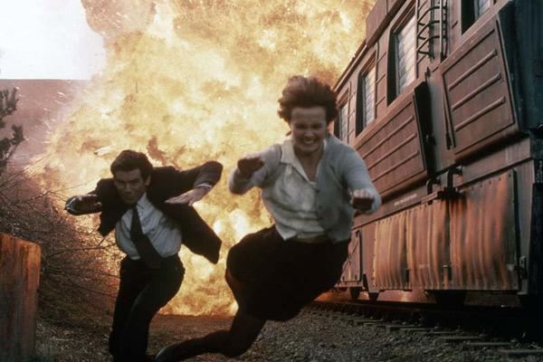 007 Contra Goldeneye : Foto Izabella Scorupco, Pierce Brosnan
