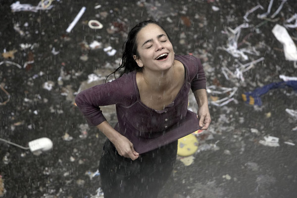 Foto de Alice Braga - Ensaio sobre a Cegueira : Foto Alice Braga -  AdoroCinema