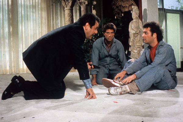 A Fine Mess : Photo Howie Mandel, Paul Sorvino, Ted Danson