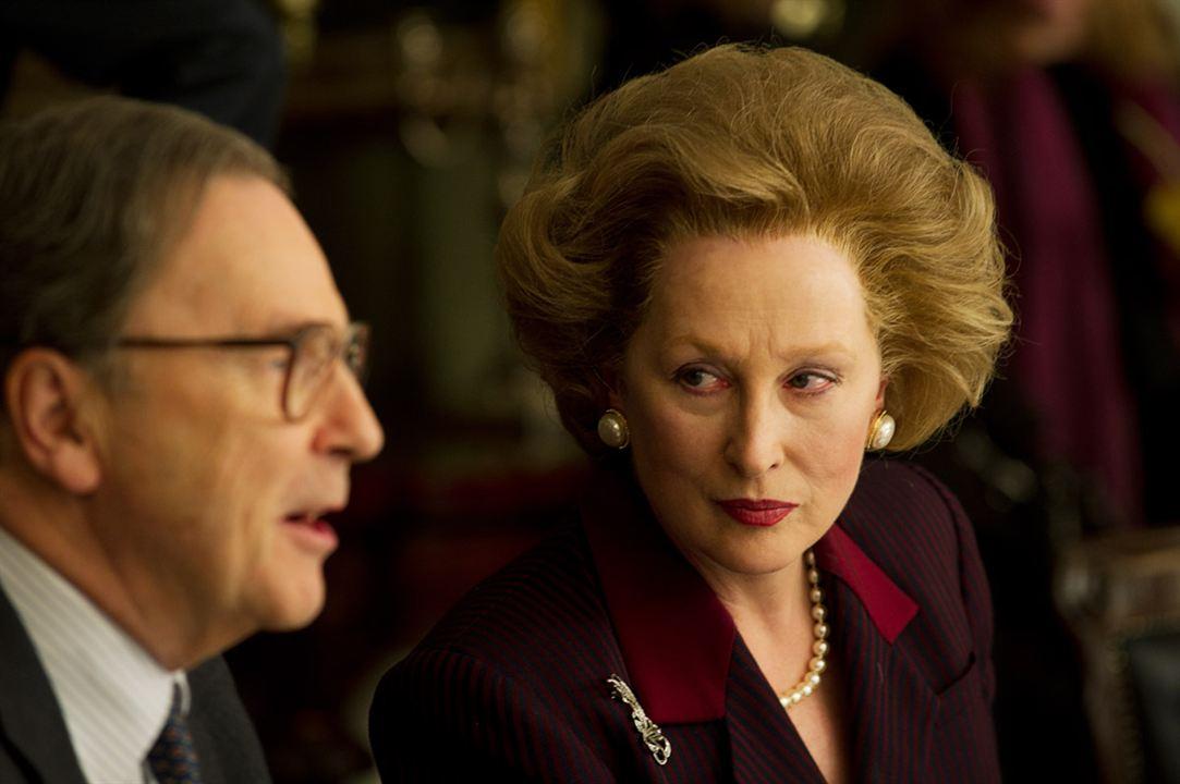 "Meryl Streep interpreta Magaret Thatcher em ""The Iron Lady""."