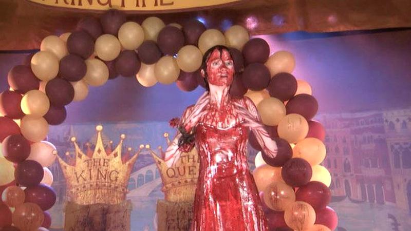 As 10 adaptações mais bizarras da obra de Stephen King: Carrie, a Estranha ( 2002) - AdoroCinema