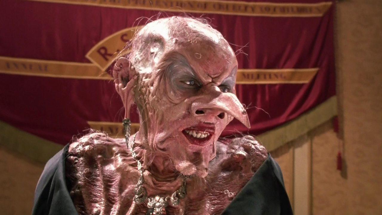 Convenção das Bruxas: Remake é suspenso após esfaqueamento no set ...