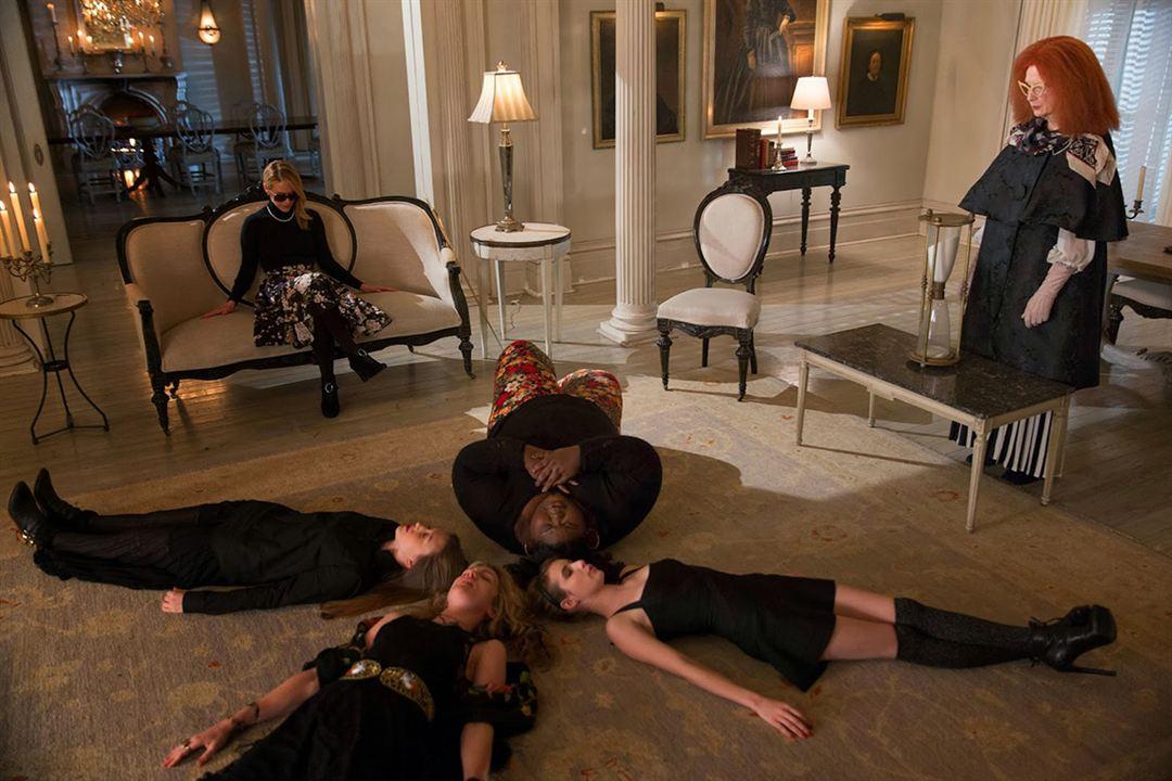 Foto Emma Roberts, Frances Conroy, Gabourey Sidibe, Lily Rabe, Sarah Paulson