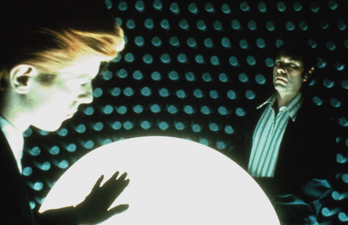 O Homem Que Caiu na Terra: David Bowie