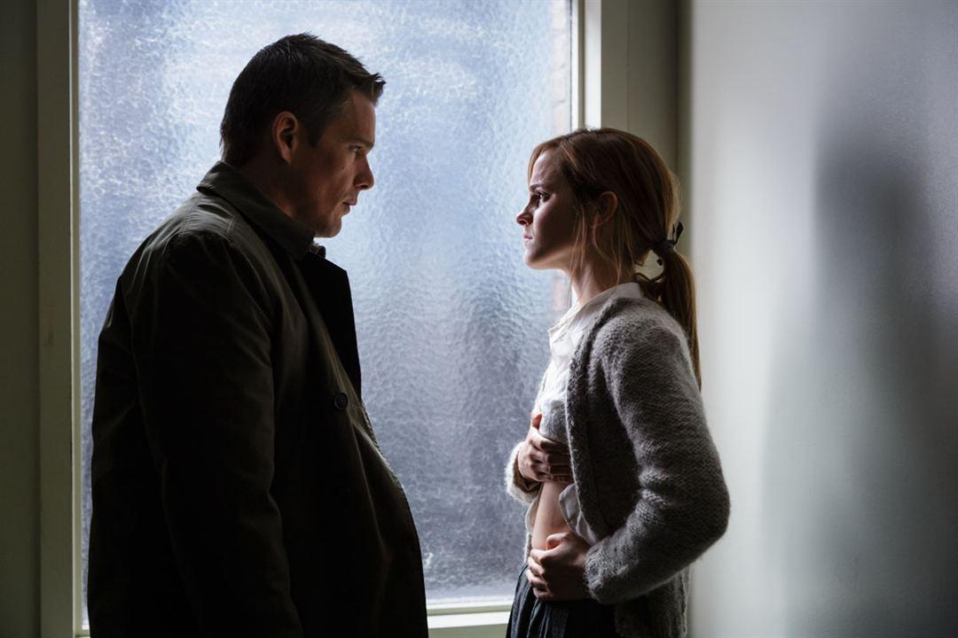Regressão: Ethan Hawke, Emma Watson