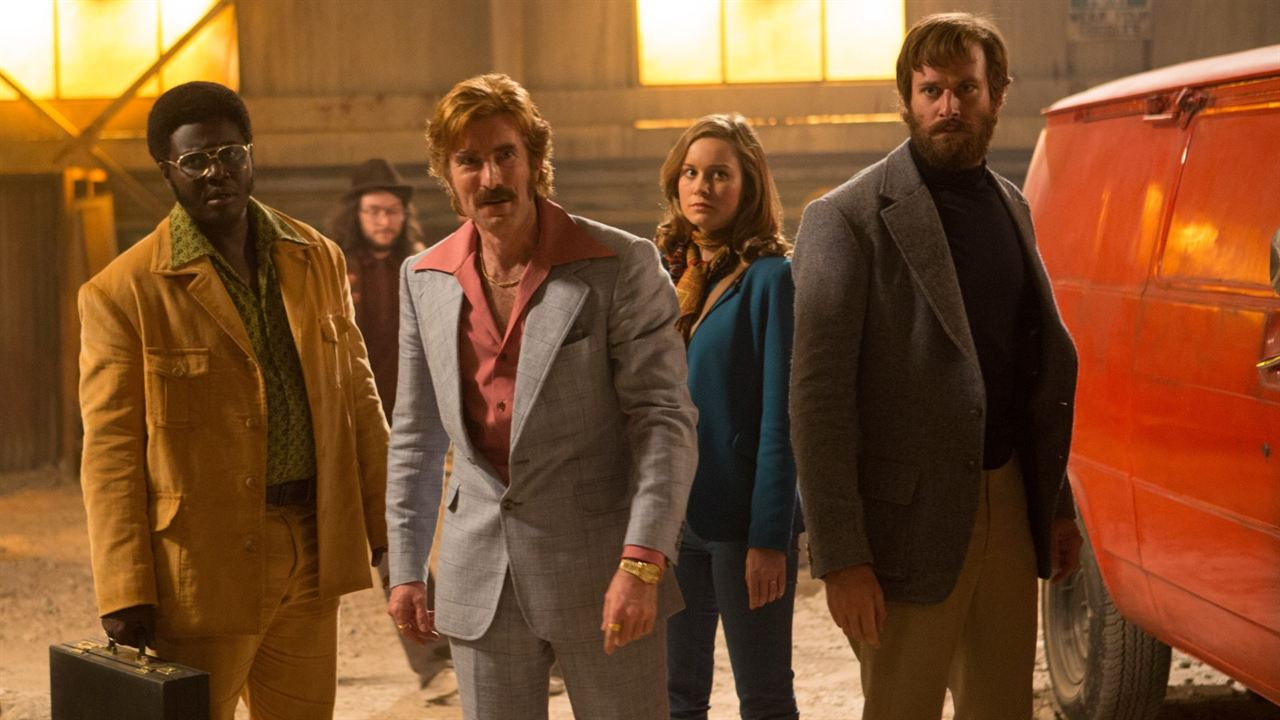 Free Fire: O Tiroteio : Foto Armie Hammer, Babou Ceesay, Brie Larson, Sharlto Copley