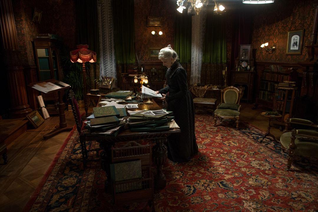 A Maldição da Casa Winchester: Helen Mirren