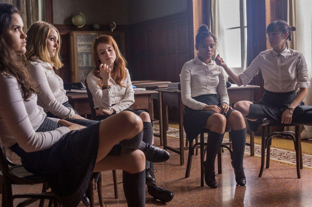 Down a Dark Hall: Isabelle Fuhrman, Rosie Day, Taylor Russell McKenzie, AnnaSophia Robb