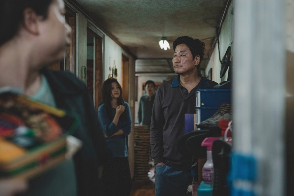 Parasita : Foto Chang Hyae Jin, Park So-Dam, Song Kang-Ho, Woo-sik Choi