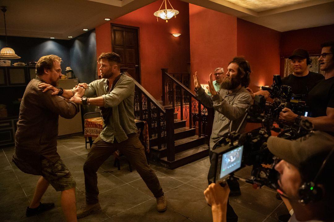 Resgate : Foto Chris Hemsworth, David Harbour, Sam Hargrave