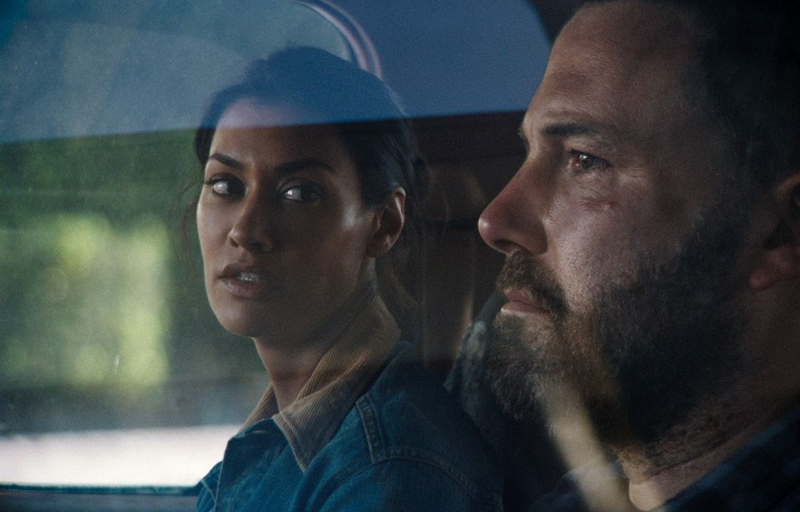 The Way Back : Foto Ben Affleck, Janina Gavankar