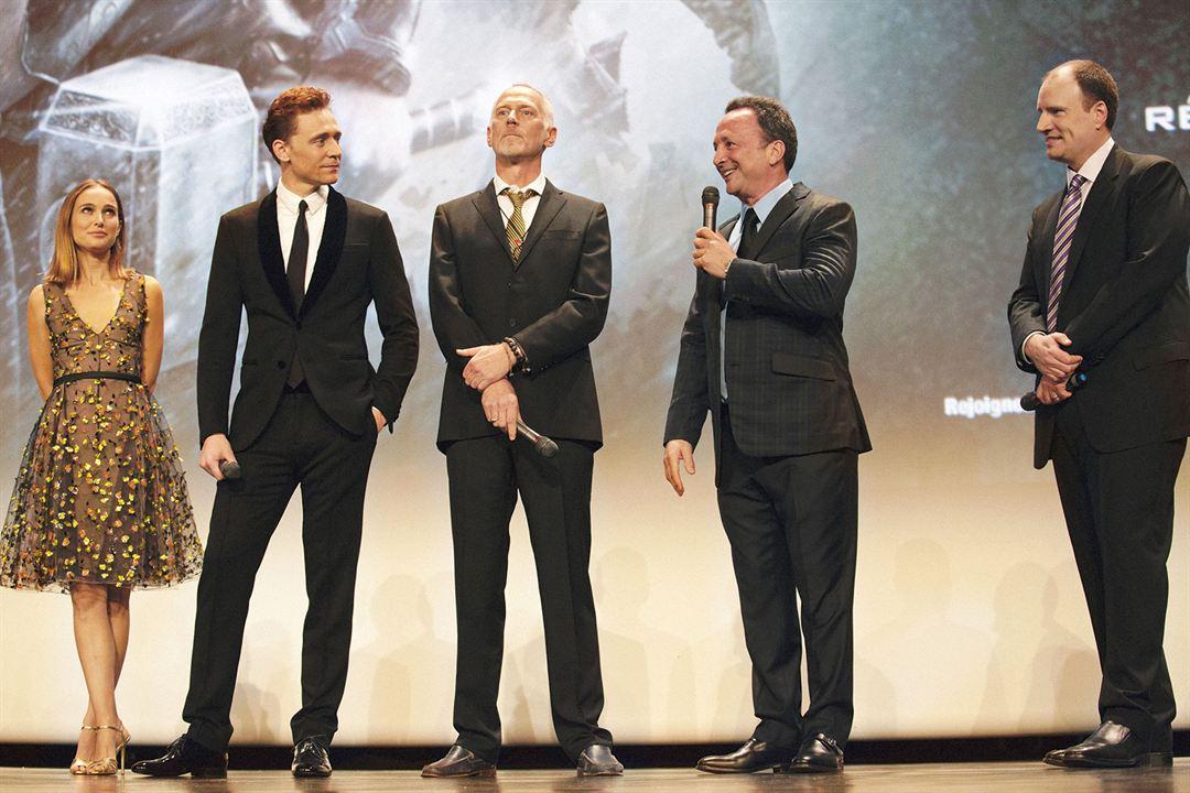 Thor: O Mundo Sombrio : Vignette (magazine) Alan Taylor, Kevin Feige, Tom Hiddleston