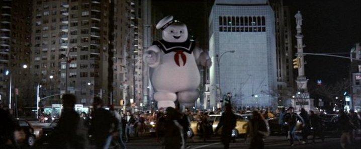 Stay Puft aterrorizado Manhattan. Imagen: Sony / Reproducción