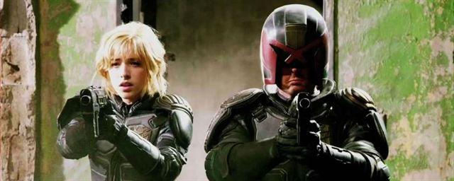 Karl Urban volta a falar sobre reprisar papel de Juiz Dredd em ...